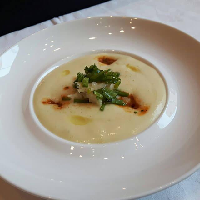 Spuma di patate, insalatina di baccalà, le sue trippe e fagioli